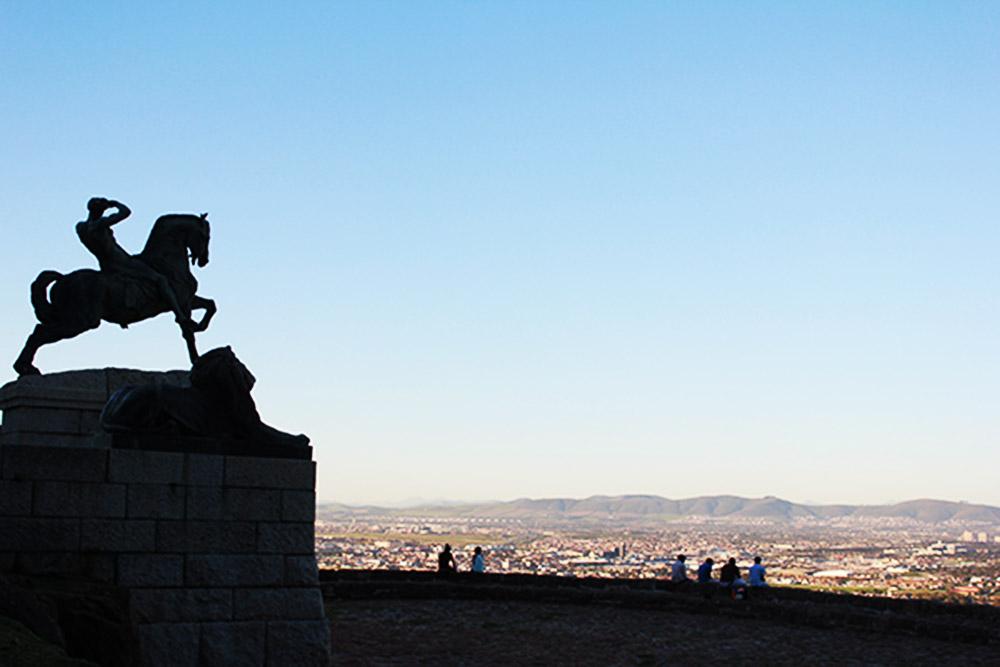 Rhodes Memorial over the City