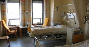 Hospital room [wikimedia commons]