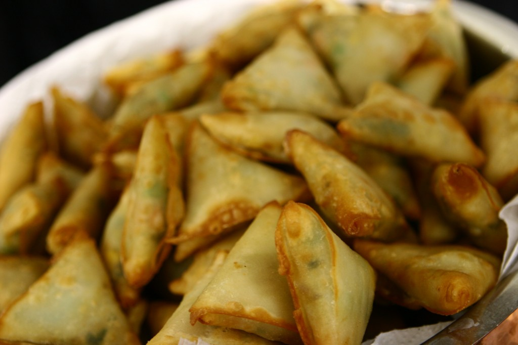 2 - Samosas_in_Vancouver_Canada_-_Food_and_Resturant_Show_at_BC_Place
