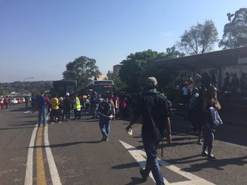 Wits students head for busses NationalShutDown