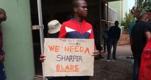 Blade placard [slider]