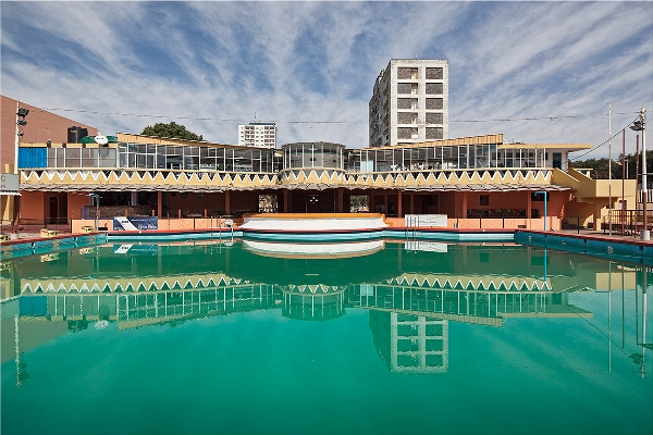 Piscina-do-Maxaquene-(Maxaquene-swiming-pool),-2013 Branquinho Maputo