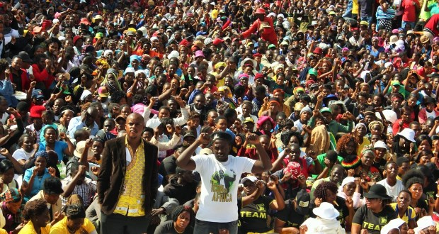 "Mugabe supporters rally at the Zanu PF headquarters in Harare, after thousands took to the streets to in support of the regime and to do down #ThisFlag's ""foreign-sponsored"" stayaway."