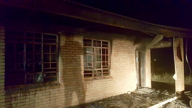 Vuwani burned school Twitter