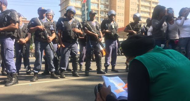 wits-feesmustfall-protest-police-21-september-2016