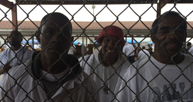 inmates-in-prison