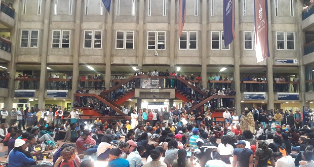 [slider] behindthescenes-feature-image-wits-feesmustfall