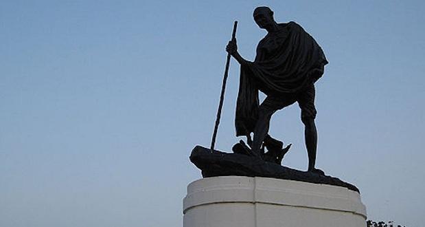 gandhi-statue-in-chennai-wikimedia