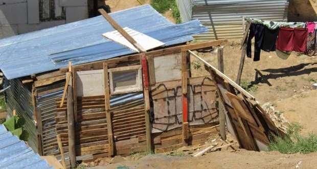 qiniso-shacks-2 [slider]