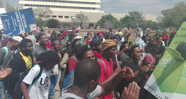 [slider] UP-protest-20-September-2016-Lebo-Lebese-2 pretoria tuks