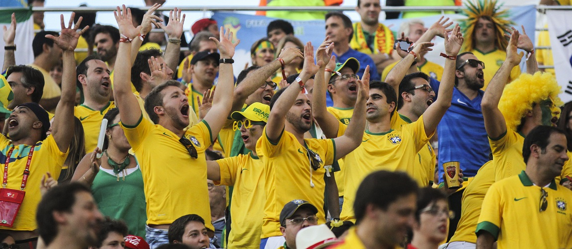 Brazil_and_Croatia_match_at_the_FIFA_World_Cup_(2014-06-12;_fans)_22