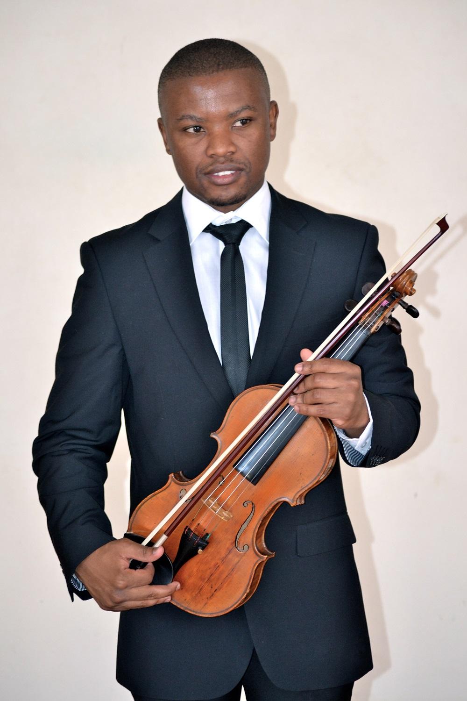 kabelo motlhomi violinist 2