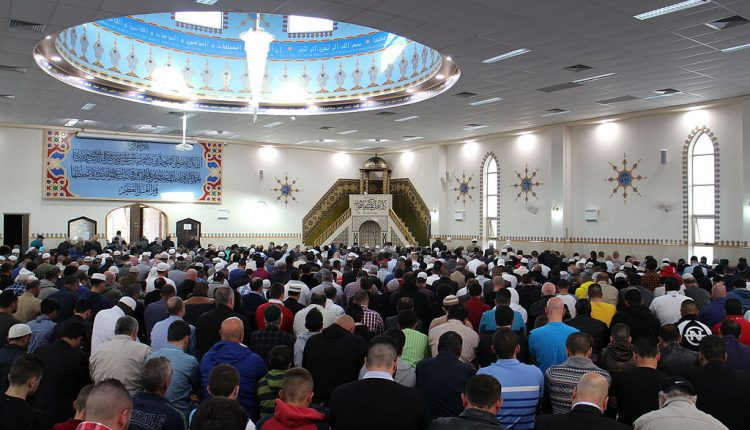 Eid_Prayer_at_Lakemba_Mosque